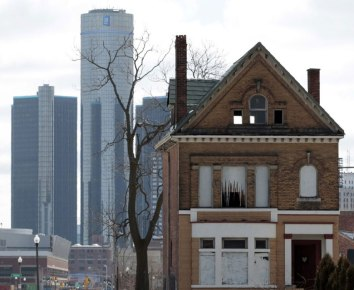 An empty house with the GM Building in downtown Detroit in the background is seen in Detroit, Michigan, USA, 03 March 2013. Photo JEFF KOWALSKY, CFP